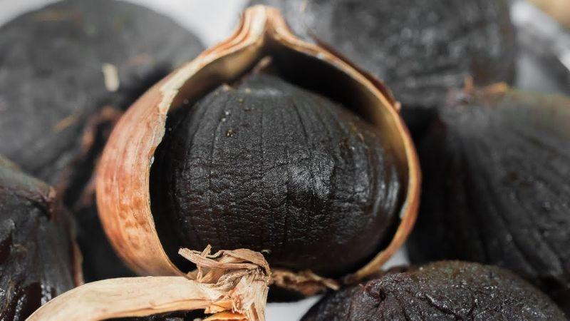 Tỏi đen chữa viêm da cơ dịa hiệu quả