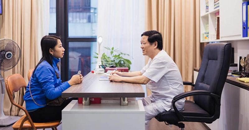 Bác sĩ Phạm Hồng Lãnh với nhiều năm công tác tại bệnh viện Da Liễu Trung Ương