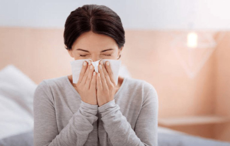 Viêm xoang thường gây ra tình trạng nghẹt mũi do khả năng dẫn lưu dịch giảm