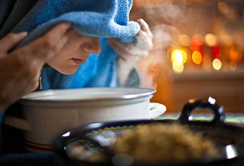 Xông hơi bằng thảo dược vừa cải thiện triệu chứng viêm xoang, vừa giảm tình trạng mất ngủ do viêm xoang