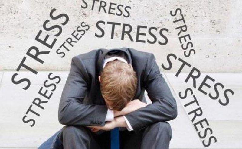 Stress kéo dài là một trong các nguyên nhân gây tình trạng thiếu hụt