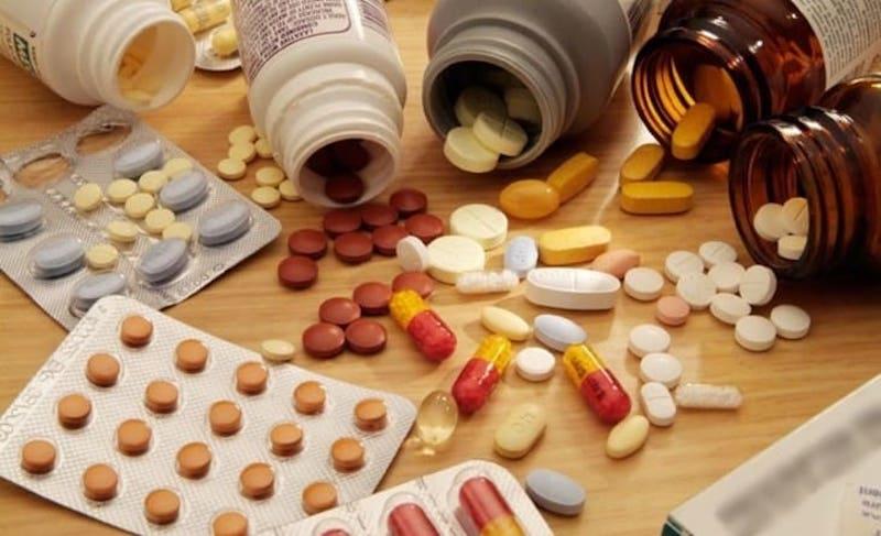Sử dụng thuốc Tây kiểm soát tình trạng axit trong dạ dày