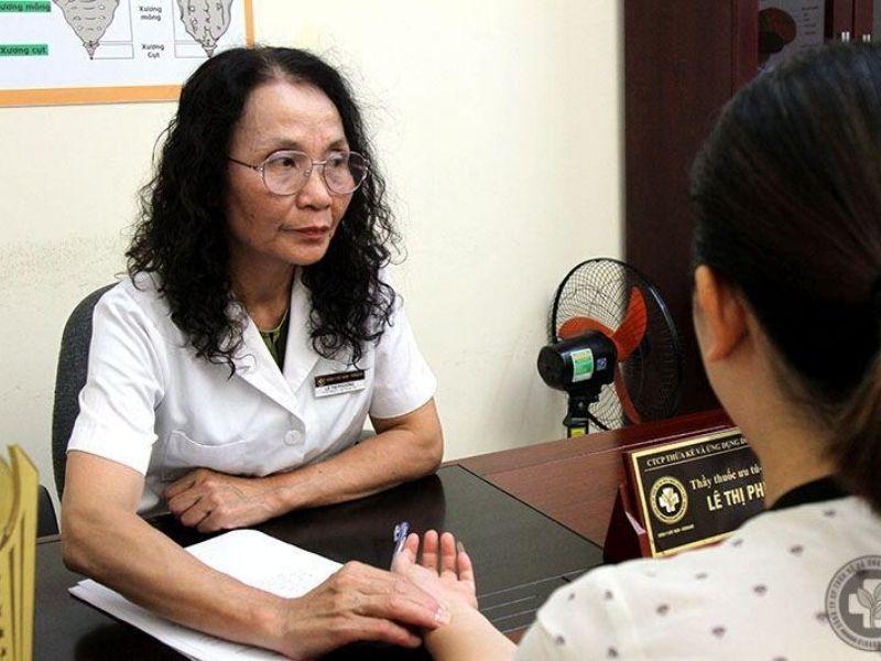 Bác sĩ Lê Phương là chuyên gia hàng đầu về Y học Cổ truyền ở nước ta