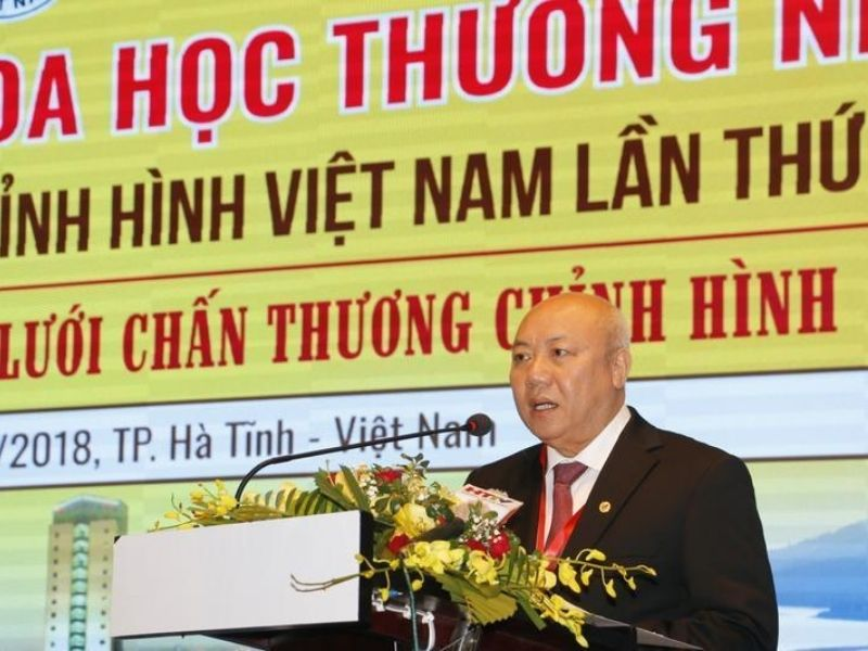 Bác sĩ Nguyễn Văn Thạch được tôn vinh là người có bàn tay vàng trong phẫu phẫu thuật cột sống ở Việt Nam