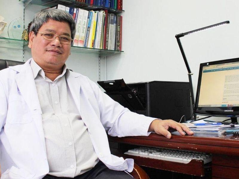 Tiến sĩ Võ Xuân Sơn là một trong những bác sĩ chữa thoát vị đĩa đệm nổi tiếng tại TP Hồ Chí Minh