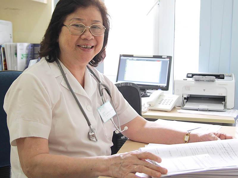 Bác sĩ Nguyễn Thị Kim Loan được đánh giá là một trong số những bác sĩ đầu ngành về cơ xương khớp