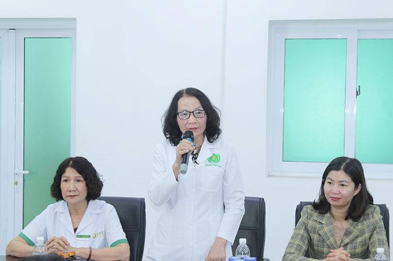 Thầy thuốc ưu tú, BSCKII Lê Phương (Giám đốc chuyên môn Tổ hợp y tế cổ truyền biện chứng Quân Dân 102)