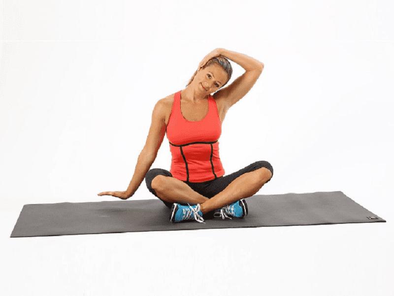 Bài tập yoga căng duỗi phần cơ hai bên cổ
