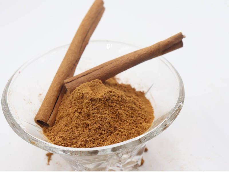 Thành phần có trong bột quế giúp giảm đau các bệnh lý xương khớp