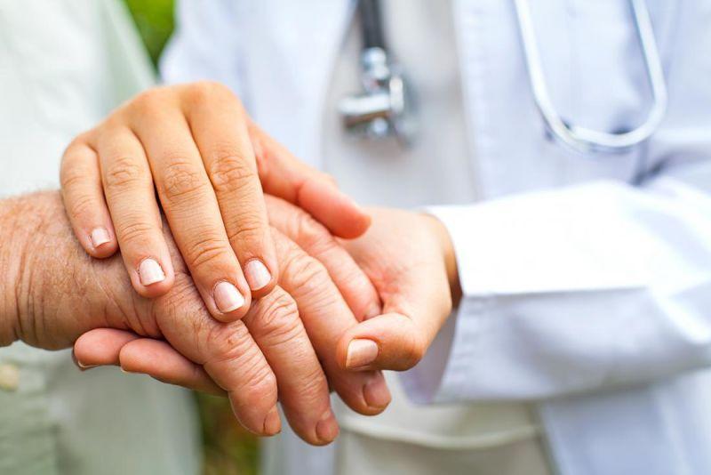 Bệnh thấp khớp cấp gây tổn thương ở khớp, tim, da và cả não bộ