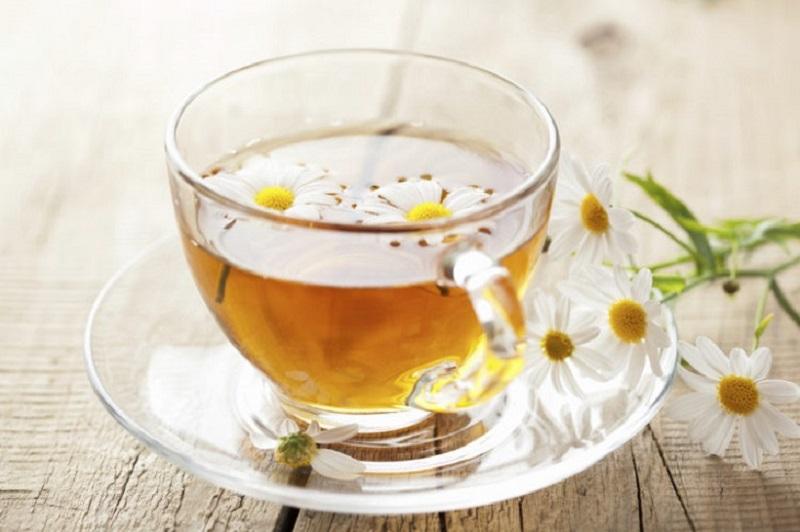 Trà hoa cúc giúp thư giãn thần kinh, giảm cơn đau co thắt