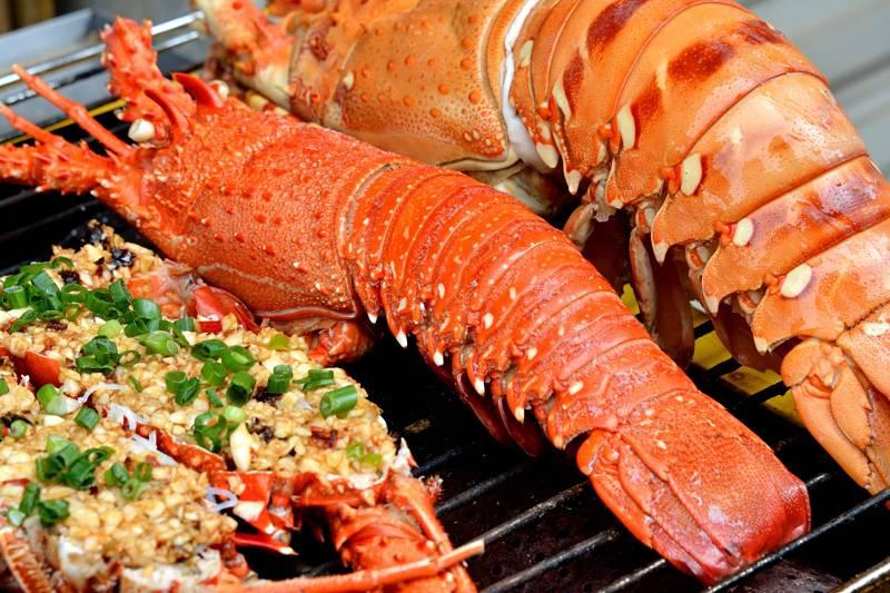 Người bệnh nên bổ sung thực phẩm chứa nhiều canxi, vitamin D để bồi bổ xương khớp