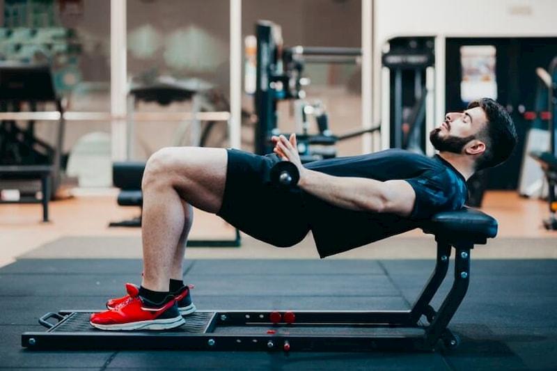 """Luyện tập Hip thrust mỗi ngày giúp cải thiện chuyện """"chăn gối"""""""