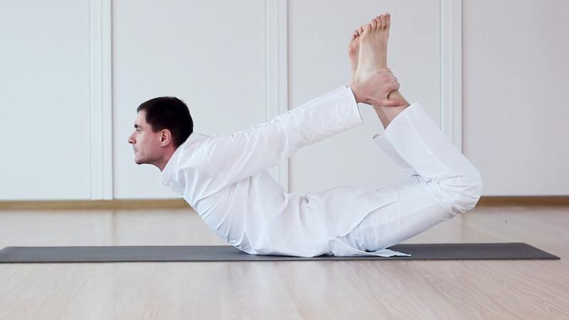 Những tư thế Yoga rất tố cho nam giới