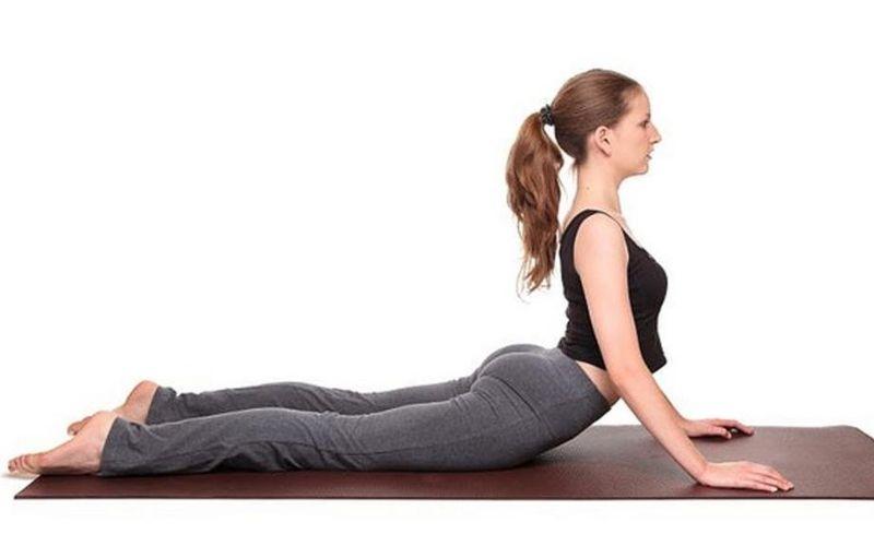 Bài tập rắn hổ mang kéo giãn xương khớp thắt lưng