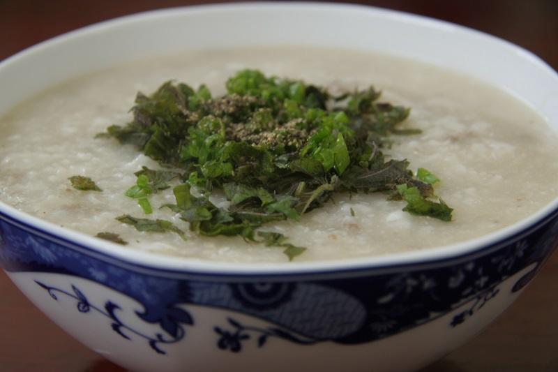 Món cháo tía tô phù hợp với thể trạng người bệnh