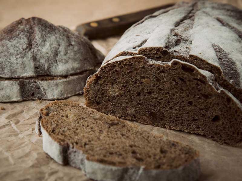 Bánh mì lúa mạch đen phù hợp với bệnh nhân ăn kiêng và bệnh nhân đau dạ dày