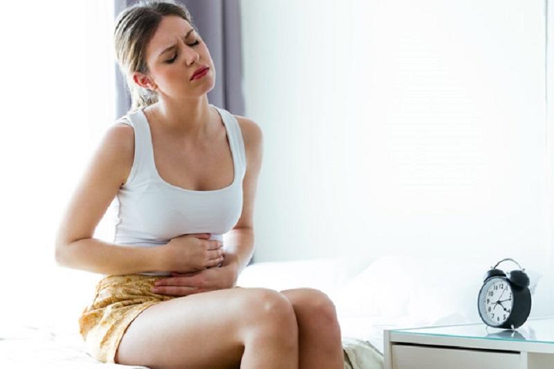 Đau dạ dày đi ngoài lỏng là một trong những triệu chứng phổ biến