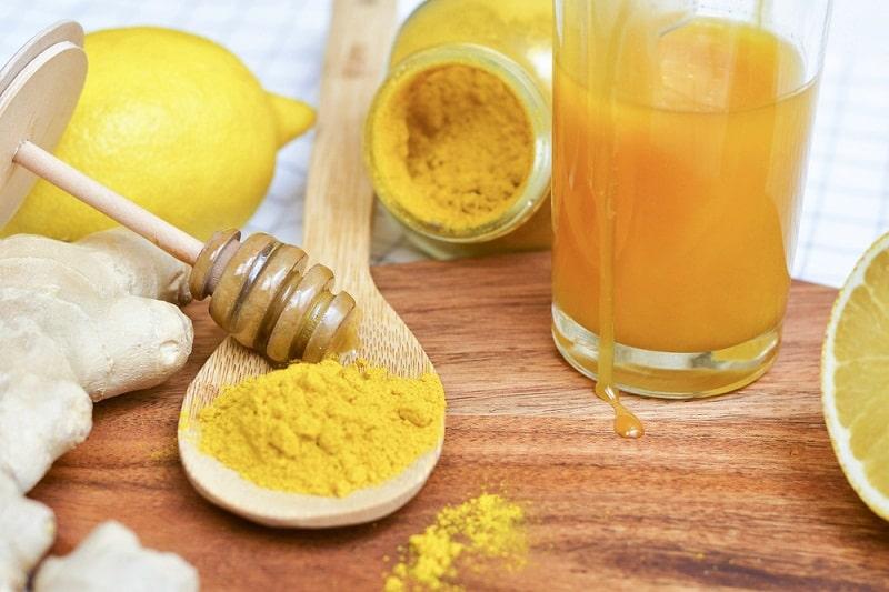 Bài thuốc với nghệ và mật ong