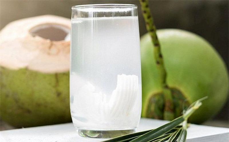 Nước dừa tươi giàu vitamin và khoáng chất