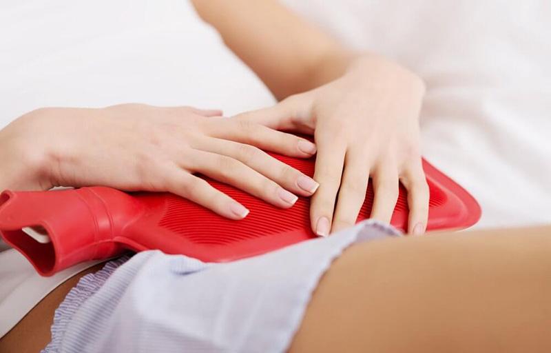 Rong kinh có thể gây ra tình trạng đau bụng dưới
