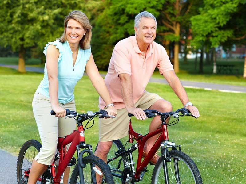 Bị đau khớp gối có nên đạp xe đạp không là thắc mắc của nhiều người