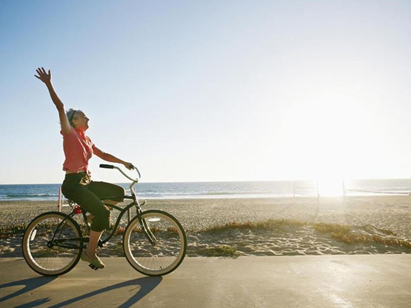 Đạp xe đạp giúp tăng chuyển hóa chất dinh dưỡng đồng thời thúc đẩy tuần hoàn máu