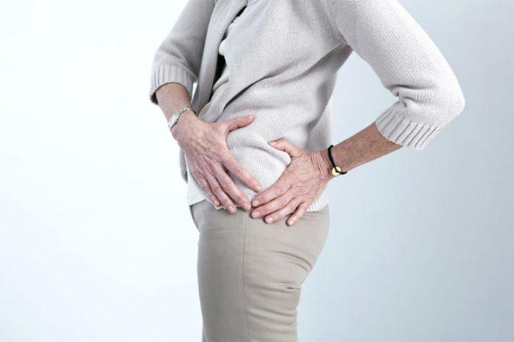 Đau khớp háng có nên bị bộ thường xuyên