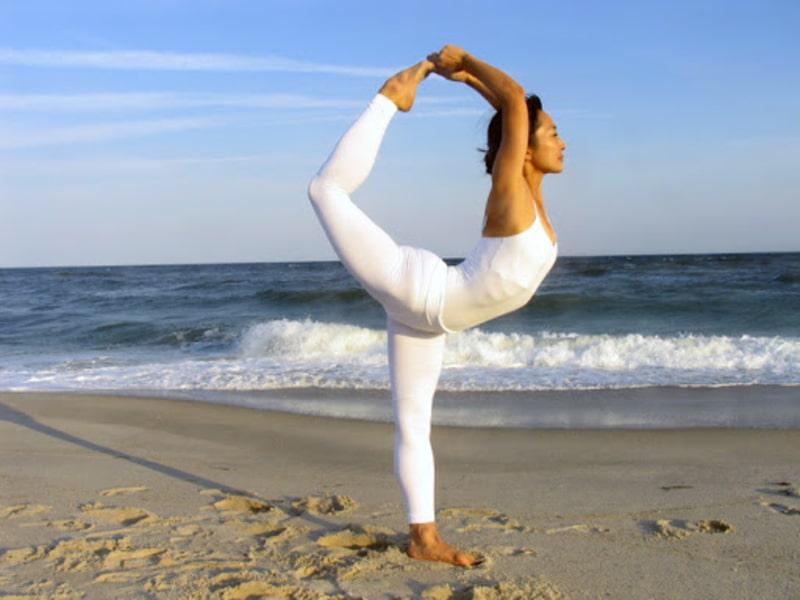 Tư thế vũ công - bài tập tránh đau khớp háng khi tập yoga