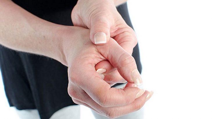 Đau khớp ngón tay là một hiện tượng phổ biến thường gặp