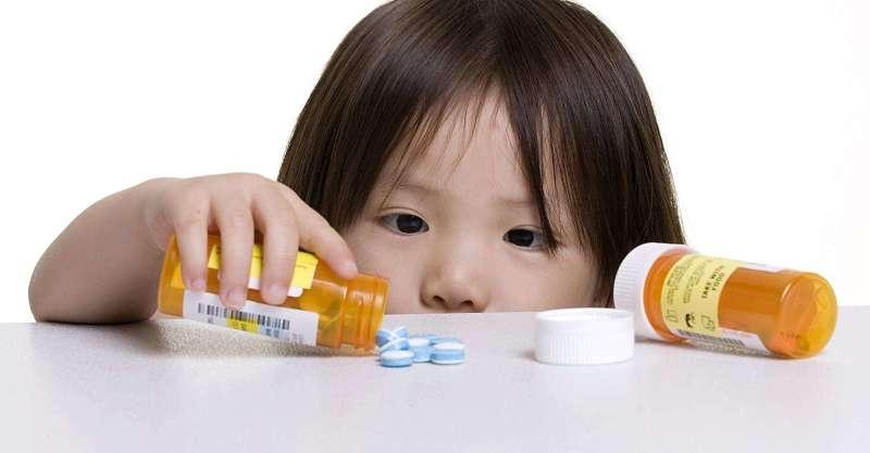 Thuốc Tây giúp bé giảm đau nhức nhanh chóng