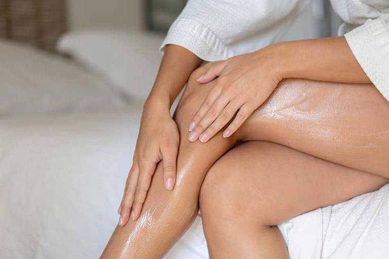Các loại thuốc bôi và kem dưỡng ẩm được ưu tiên trong điều trị viêm da cơ địa