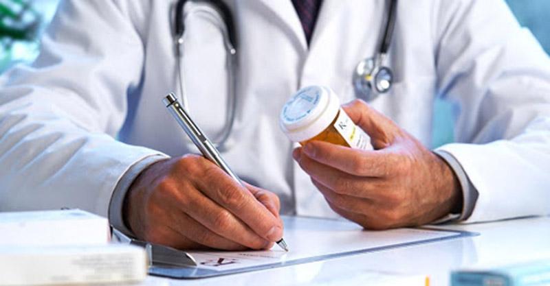 Cần tham khảo ý kiến chuyên gia trước khi sử dụng bất kỳ loại thuốc điều trị nào