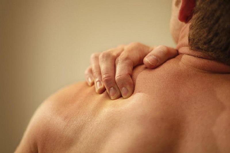Điều trị viêm quanh khớp vai bằng Đông y