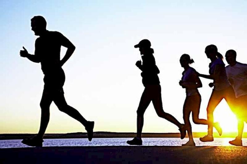 Luyện tập thể thao hàng ngày nâng cao sức khỏe