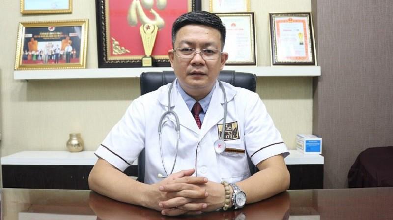 """Lương y Đỗ Minh Tuấn là vị thầy thuốc """"mát tay"""" chữa tai mũi họng"""