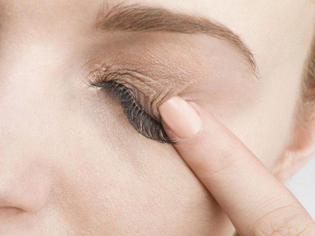Ngứa vùng da quanh mắt do bệnh lý gì? Làm thế nào để nhận biết và điều trị