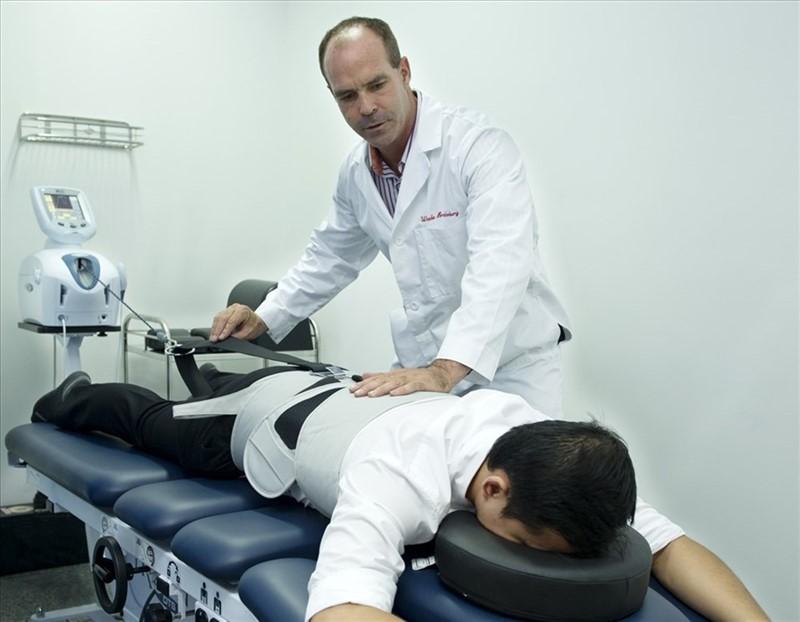 Trị liệu thần kinh cột sống được chuyên gia khuyến khích áp dụng