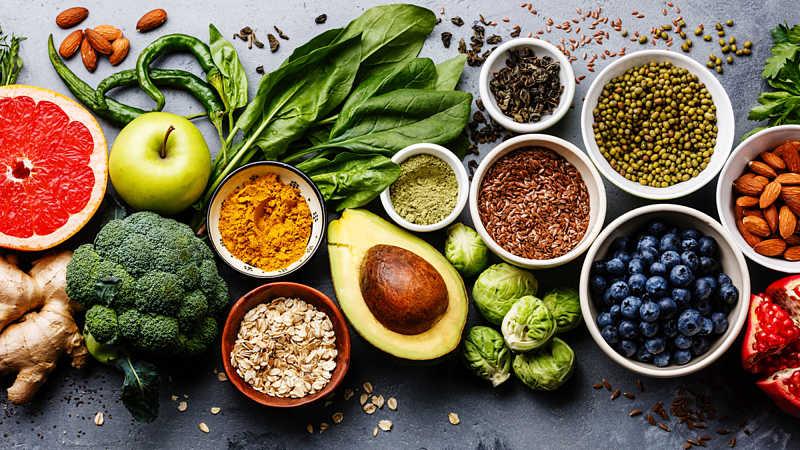 Người bệnh nên bổ sung đầy đủ chất dinh dưỡng tốt cho xương khớp