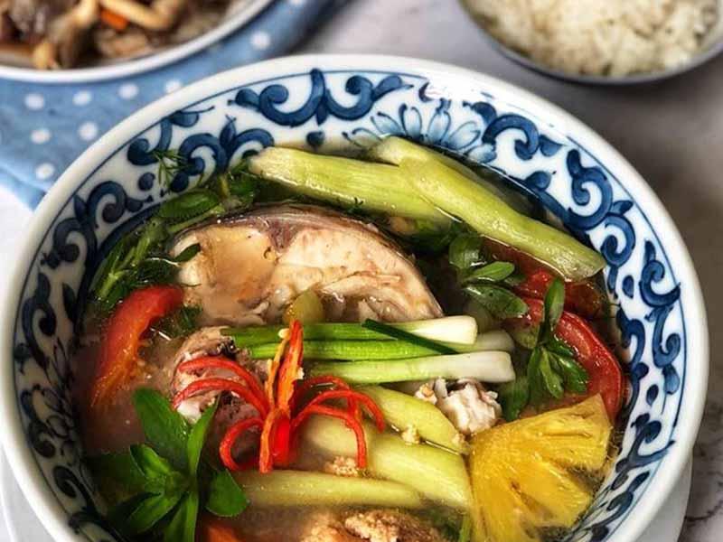 Canh cá nấu rau ngổ là phương pháp trị bệnh hiệu quả