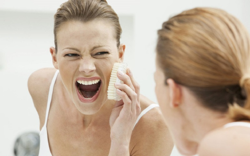 Hướng dẫn lựa chọn sữa rửa mặt cho viêm da tiết bã phù hợp nhất