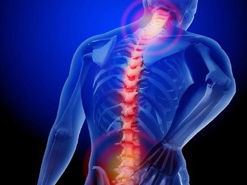 Cơn đau nhức xuất hiện nhưng không rõ ràng như các chứng thoát vị đĩa đệm khác