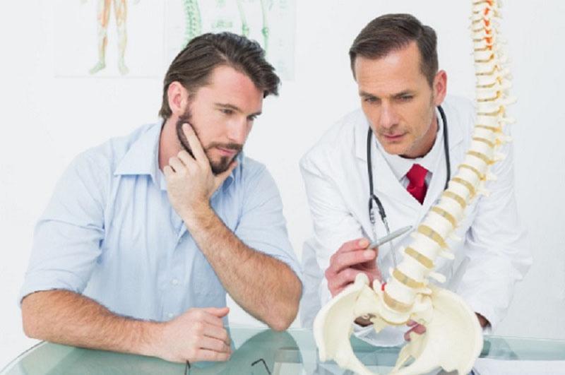 Thăm khám tại cơ sở y tế để có phương pháp điều trị phù hợp