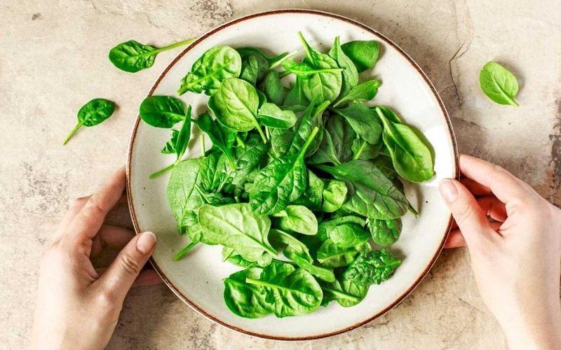 Top đầu những thực phẩm tăng cường sinh lý nam - Rau bina