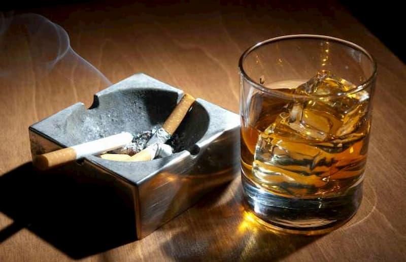 Không dùng rượu bia hay thuốc lá trong thời gian điều trị