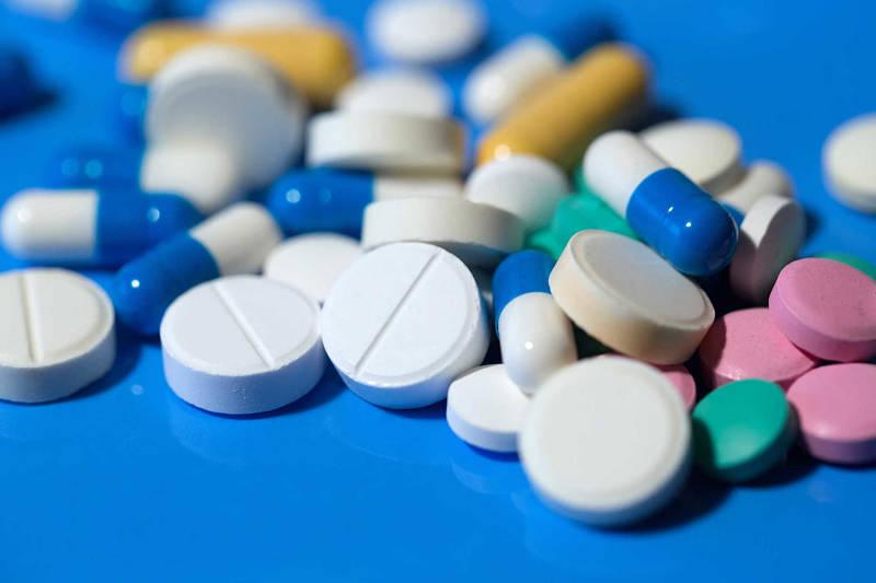 Thuốc Tây y giúp giảm các cơn đau nhức nhanh chóng