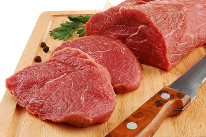 Trẻ bị viêm da cơ địa kiêng ăn gì? Cần hạn chế Thịt bò, thịt cừu, các loại gia cầm…
