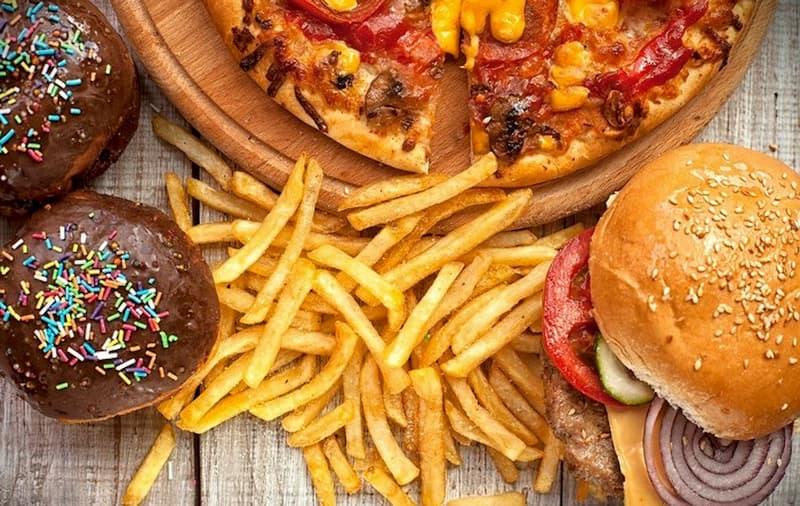 Không nên ăn đồ chứa nhiều dầu mỡ