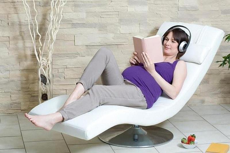 Mẹ bầu nên nghỉ ngơi sau ăn để tránh ảnh hưởng đến dạ dày