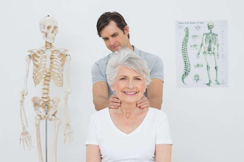 Các bài tập vật lý trị liệu giúp người bệnh thư giãn, giảm đau và ngăn ngừa viêm nhiễm